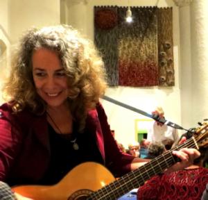 Josée van der Staak is ook zangeres
